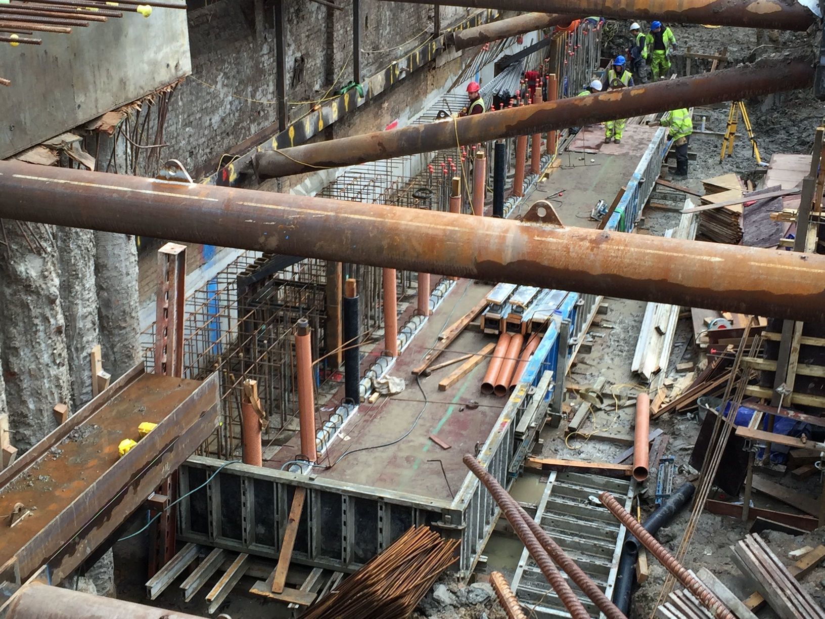 Capping-beam-construction-in-progress
